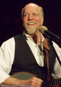 John McCutcheon performs in concert (Photo: Walt Hansen)