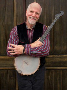 John McCutcheon was the most-played artist on folk radio during 2017, while Trolling for Dreams was among the year's top albums. (Photo:Irene Young)